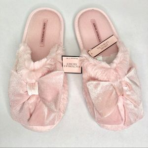 Victoria's Secret bow slippers NWT